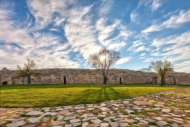 Средновековна крепост Мезек