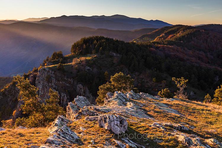 Изглед към Белмекен от Милеви скали