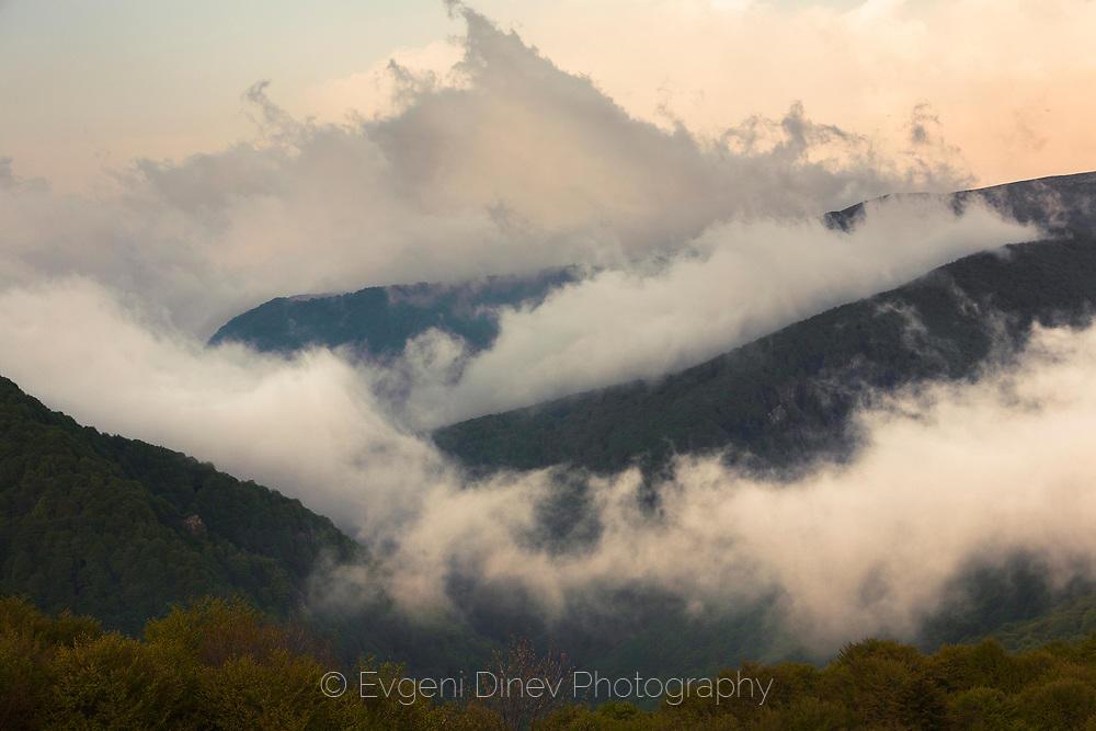 Балкански мъгли