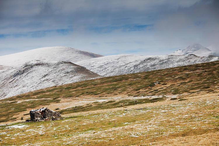 Овчарска колиба на билото на Балкана