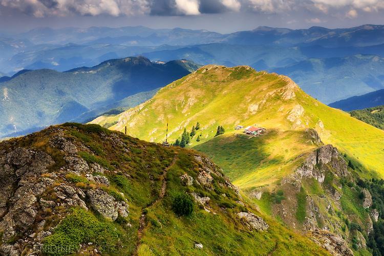 В прегръдката на планината