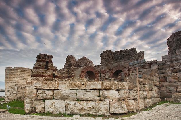 Несебърски руини