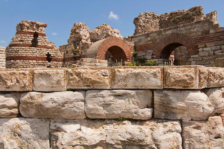 Антична несебърска крепост