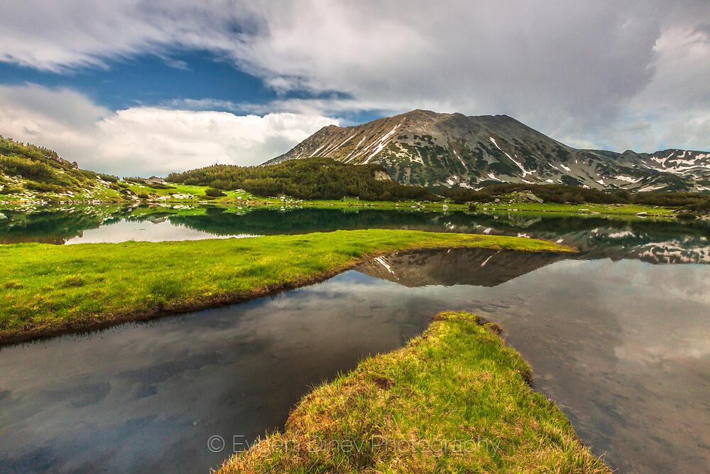 Муратово езеро в началото на лятото