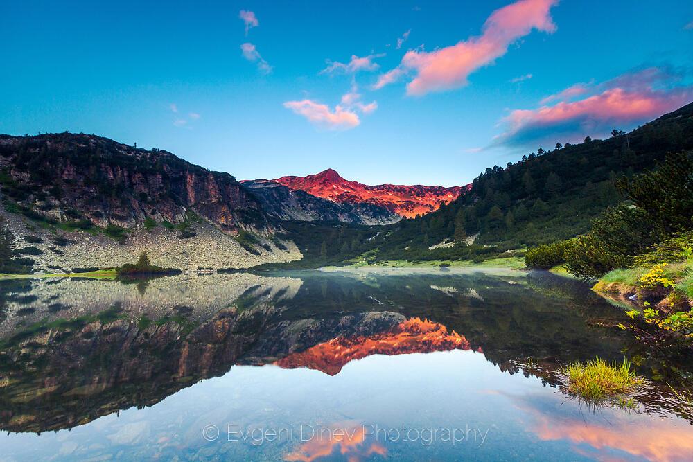 Рибно Василашко езеро по изгрев