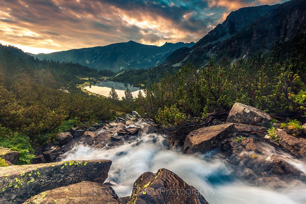 Река вливаща се във Василашките езера