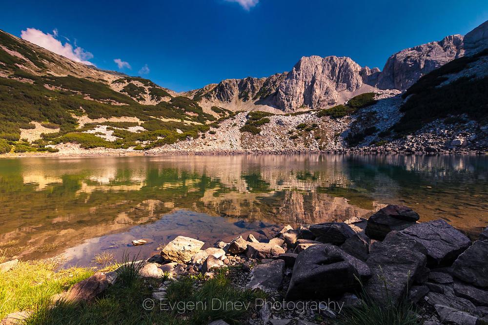 Езеро Синаница