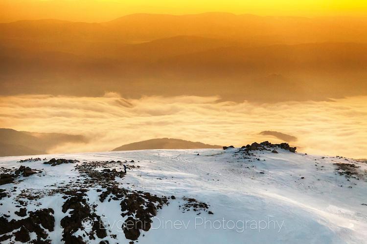 Огнен планински изгрев