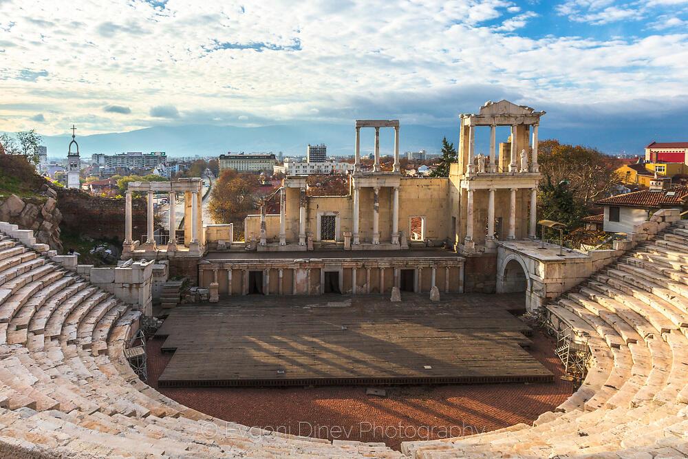 Амфитеатър