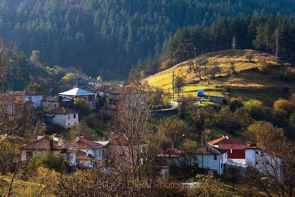 Гледка над село Полковник Серафимово