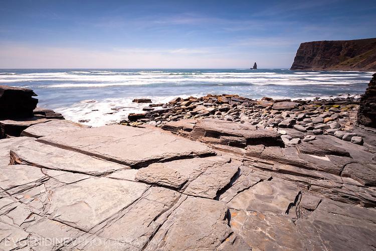Скалист португалски плаж