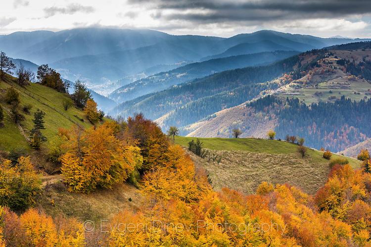 Есен в Чепеларския край