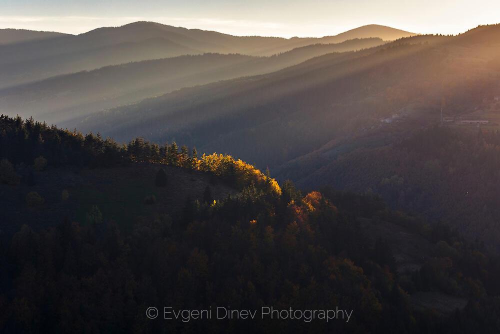 Есенна Родопска светлина