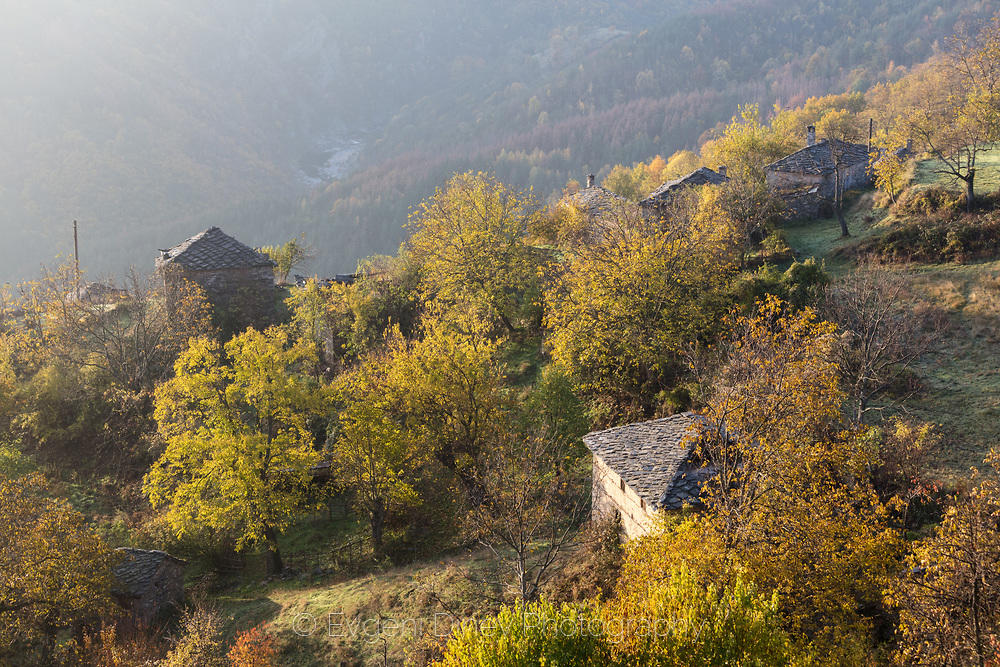 Утро в село Сполука