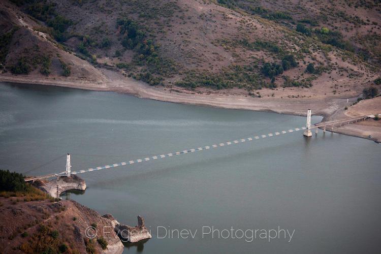 Висящ мост на язовир Студен Кладенец