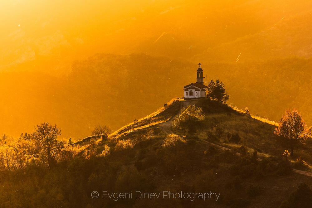 Храм в свещенната планина