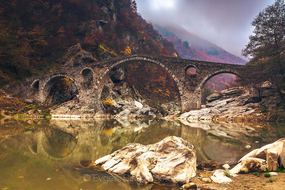 Дяволския мост на зазоряване