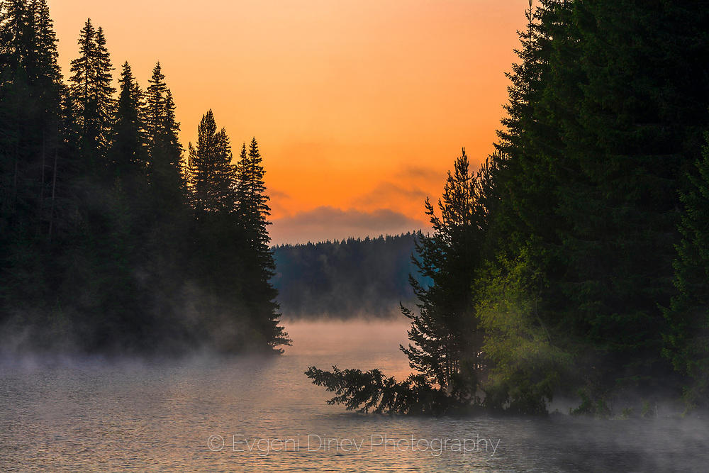 Живописно езеро