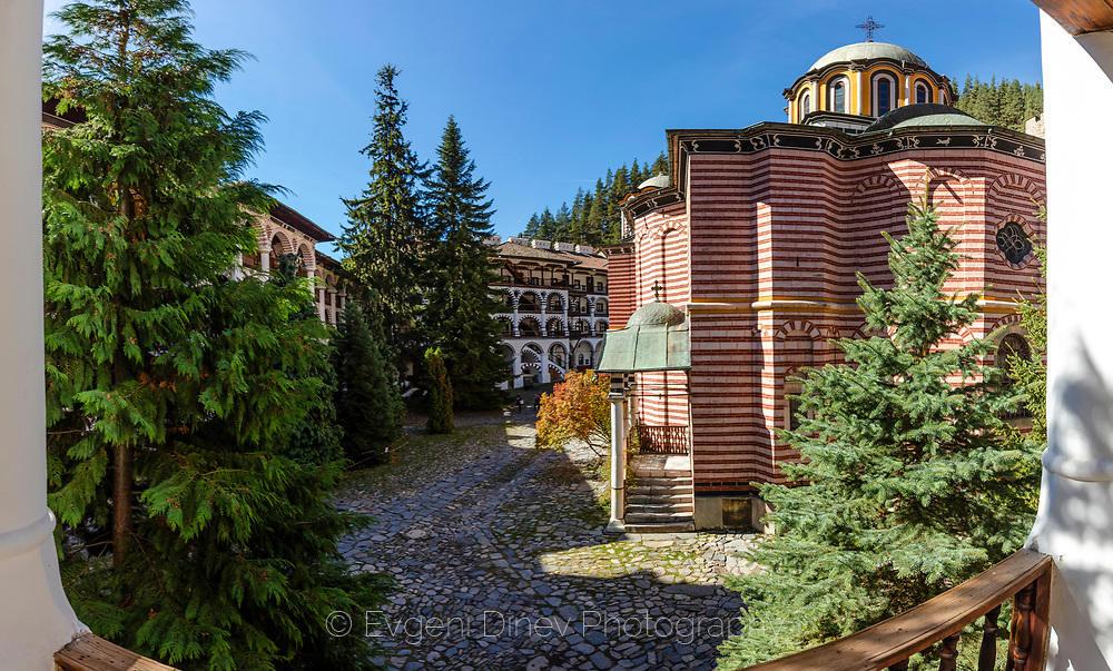 Дворът на Рилски манастир