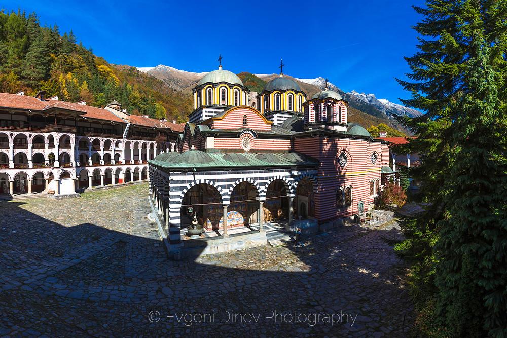 Рилски манастир есента
