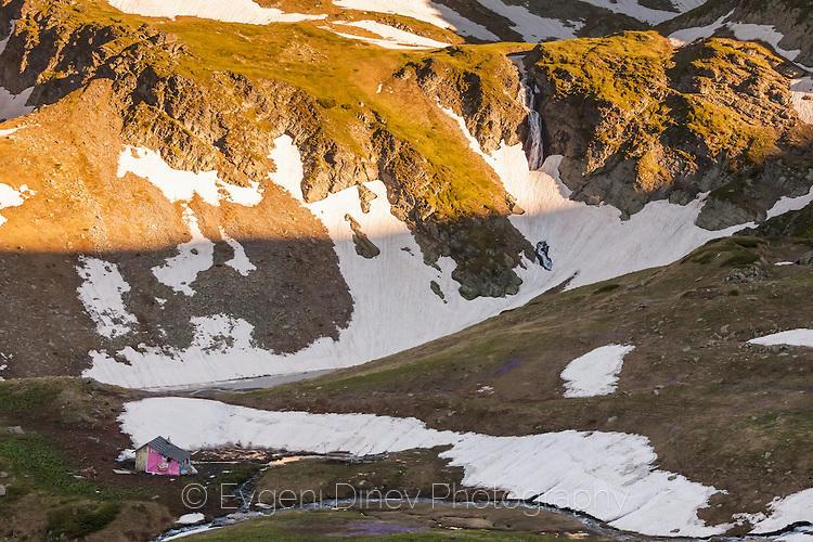 Овчарска колиба до едно от Урдините езера