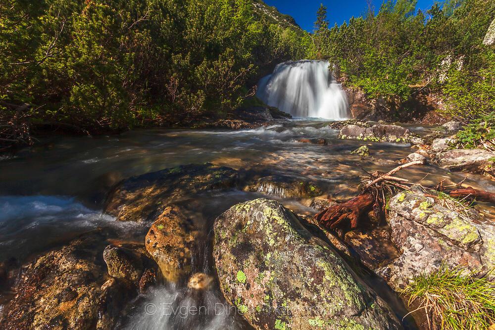 Водопад на Урдина река