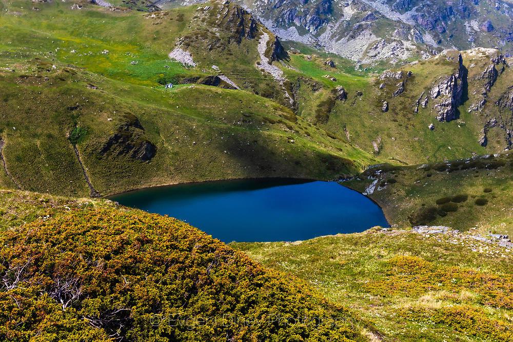 Урдино езеро и заслона до него