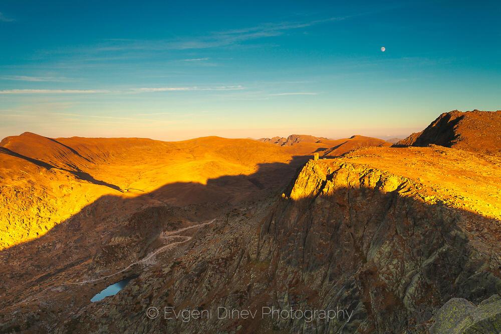 Гледка към Отовишки рид от връх Голям Полич
