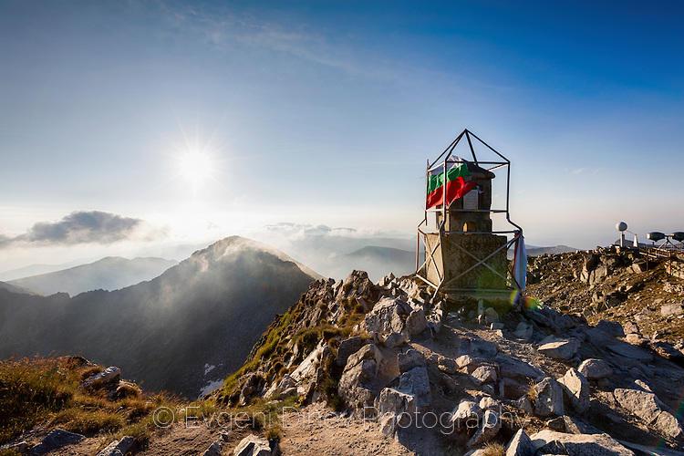 На връх Мусала по изгрев