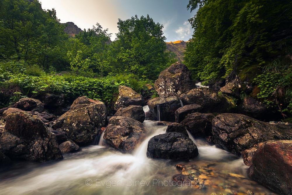 Буйна река под Северния Джендем
