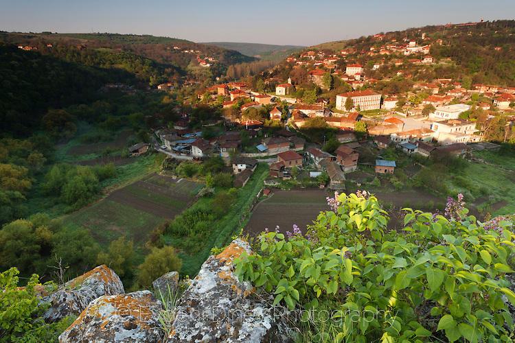 Село Червен на пролет