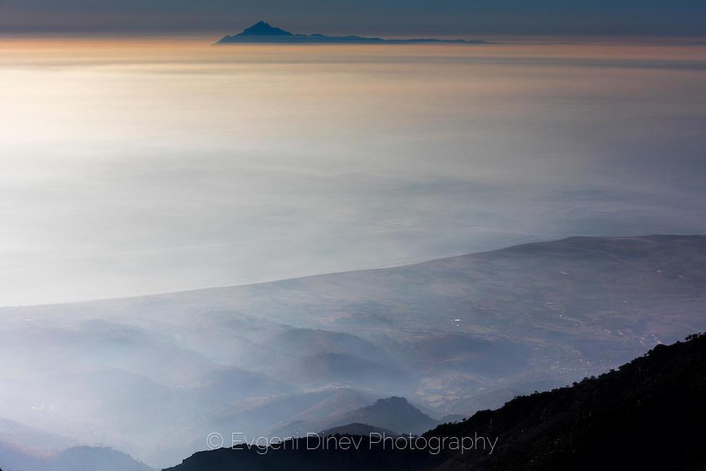 Поглед от връх Фегари