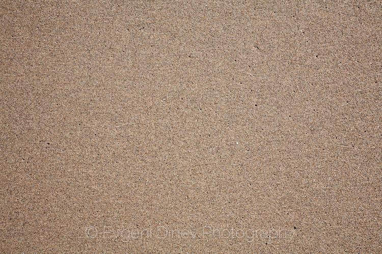 Мокър пясък