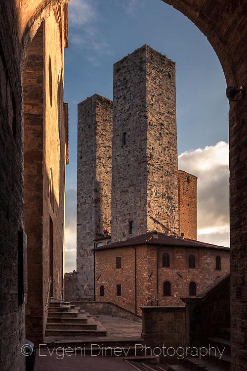 Сан Джиминяно в средновековието и настоящето