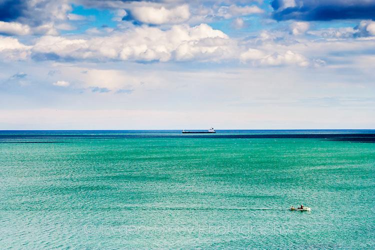 Зелено море, синьо небе