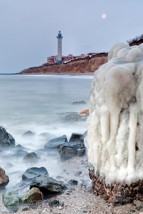 Маяк на ледения бряг