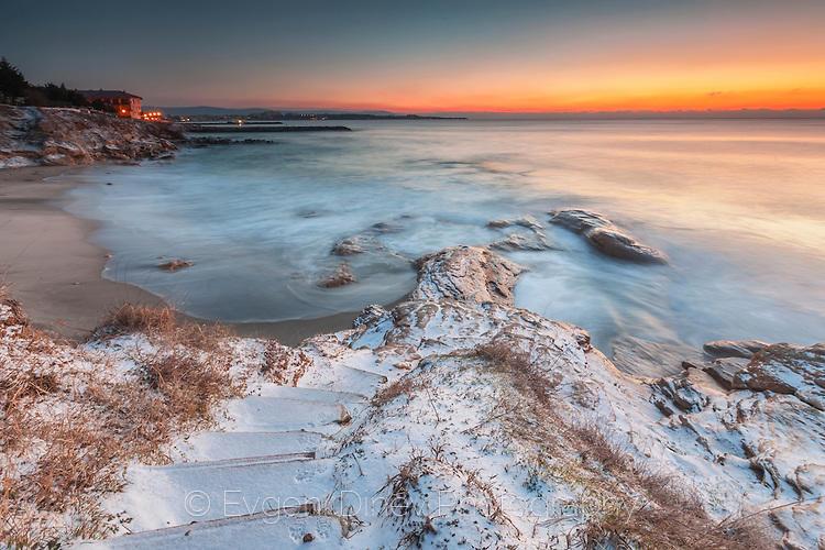 Мразовито януарско утро край Равда
