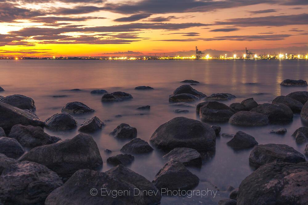 Светлините на порт Бургас