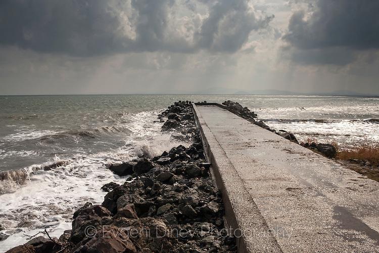 Разгневено море