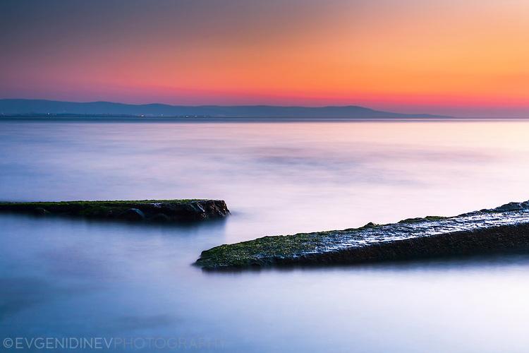 Спокойно мартенско море