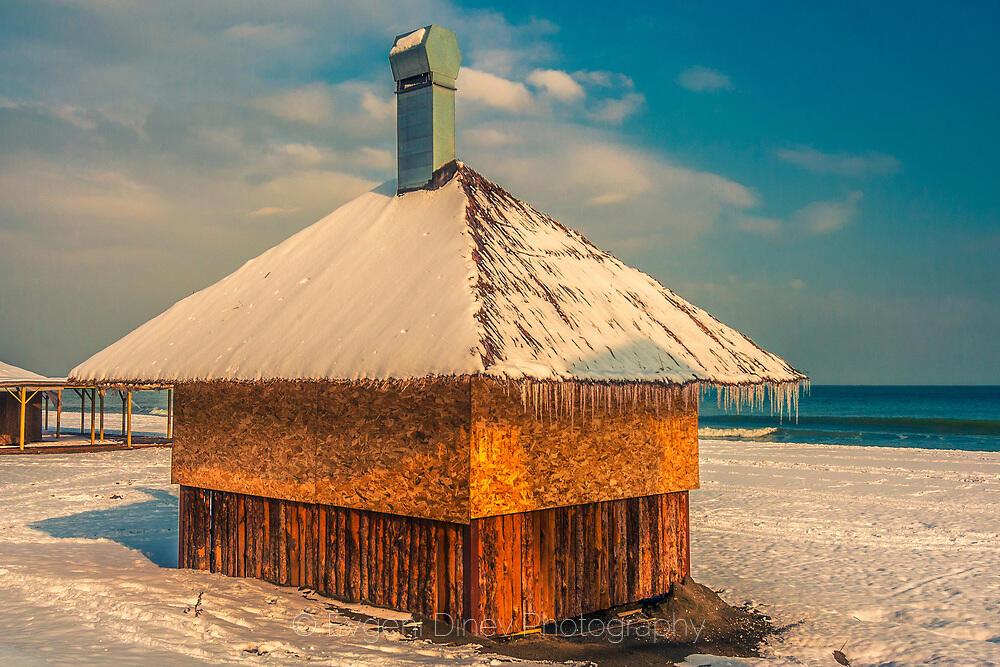 Зимна къщурка на плажа