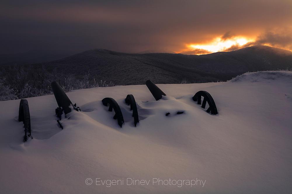 Топове в снега