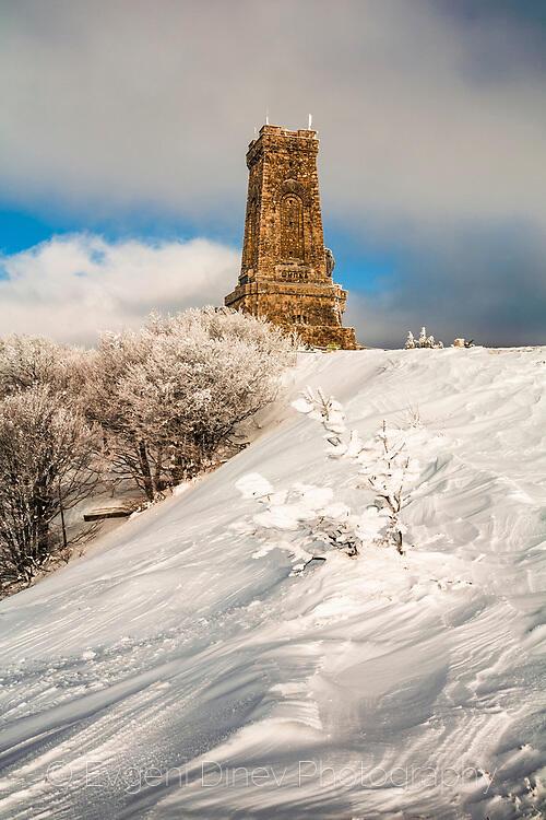 Зима на връх Шипка