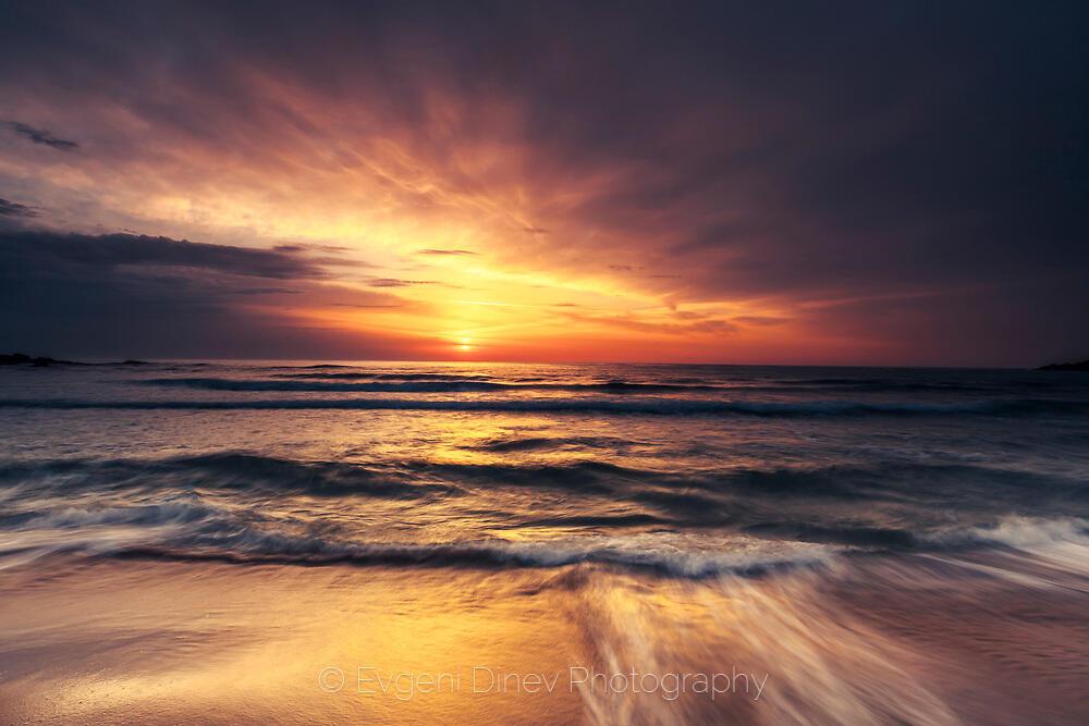 Морски пейзаж по изгрев