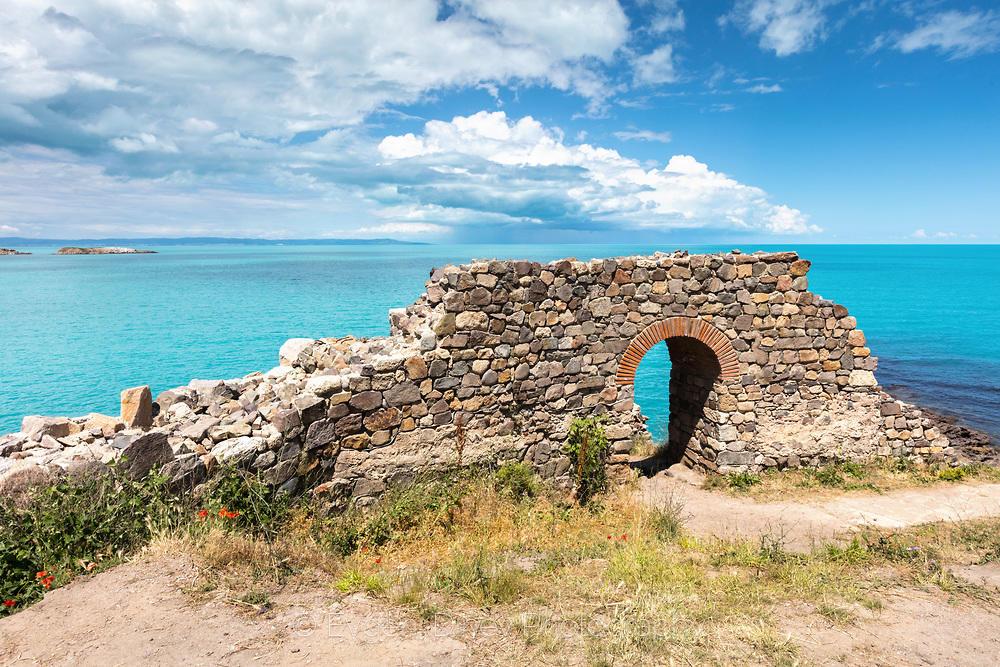 Порта към синьото море