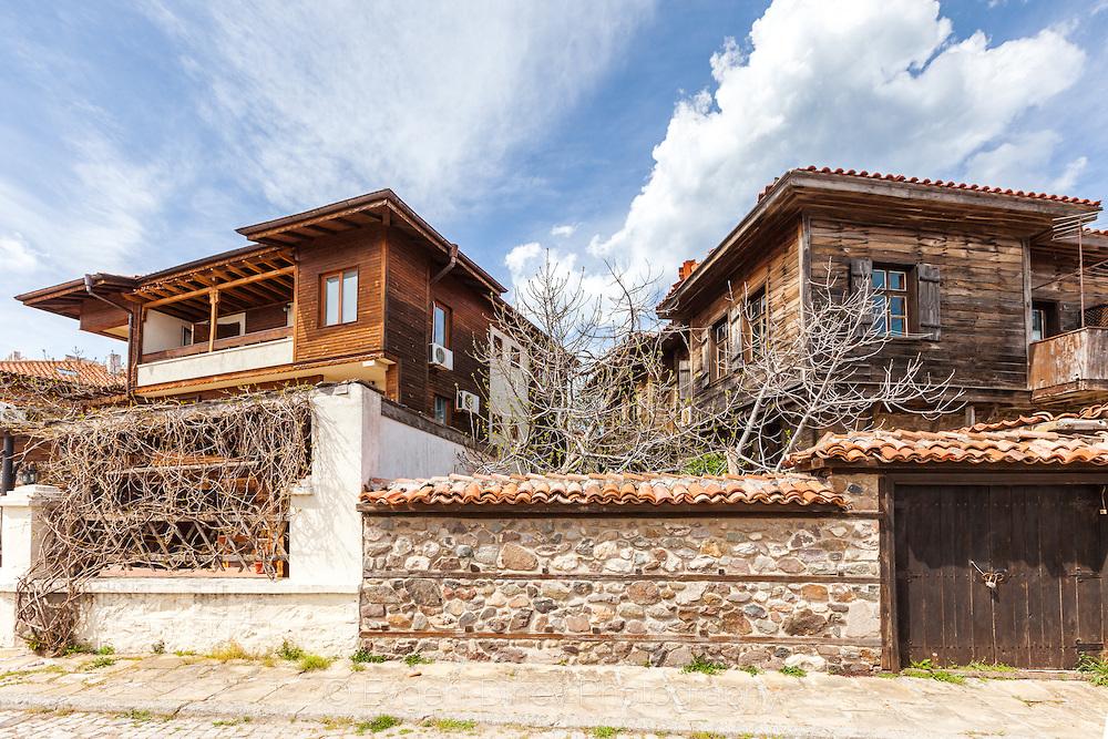 Стари къщи с типична архитектура в Созопол