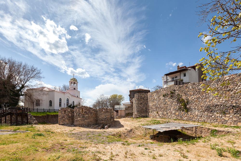 Църква от древността и църква от модерните времена