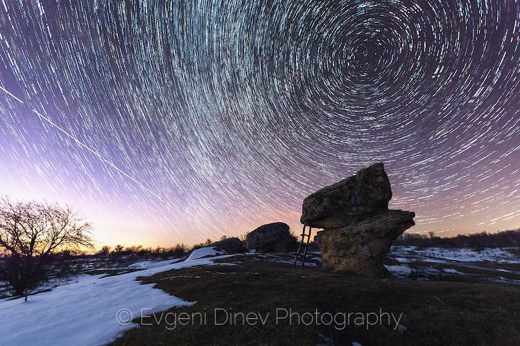 Звездни следи над Доброванските скални гъби