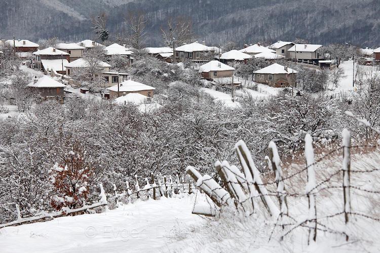 Отрупано в сняг Странджанско село