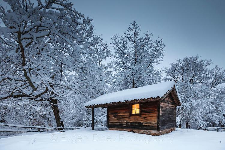 Дървен параклис в Странджа